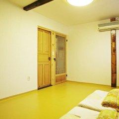 Отель Mumum Hanok Guesthouse 3* Стандартный номер с различными типами кроватей фото 3
