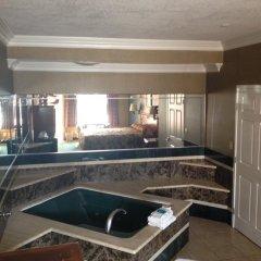 Отель Crystal Inn Suites & Spas 2* Стандартный номер с различными типами кроватей фото 6