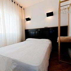 Отель Hostal Athenas Стандартный номер с различными типами кроватей фото 18