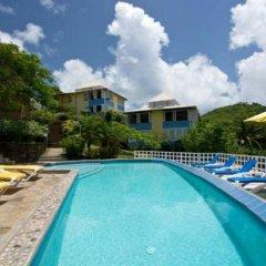 Отель Sugarapple Inn бассейн