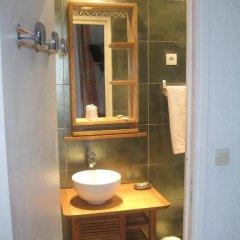 Отель Hôtel Villa la Malouine 2* Улучшенный номер с различными типами кроватей фото 12