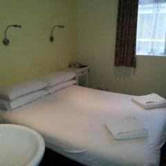 Manor Hotel 2* Стандартный номер с двуспальной кроватью (общая ванная комната) фото 5
