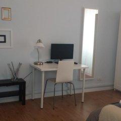 Отель La Cornice Guest House Стандартный номер с 2 отдельными кроватями (общая ванная комната) фото 2