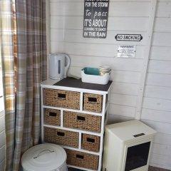 Отель The Little Hide - Grown Up Glamping удобства в номере фото 2