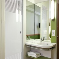 Отель Ibis Budget Madrid Calle 30 Стандартный номер с различными типами кроватей фото 5