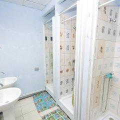Vega Hostel Кровать в общем номере с двухъярусной кроватью фото 7