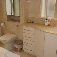 Отель Leicester Square Apartments Великобритания, Лондон - отзывы, цены и фото номеров - забронировать отель Leicester Square Apartments онлайн ванная