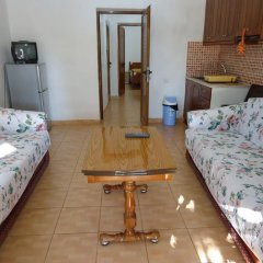 Апартаменты Mustafaraj Apartments Ksamil комната для гостей фото 2