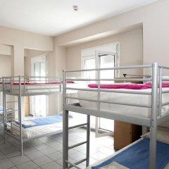 Отель Athens Backpackers Кровать в общем номере с двухъярусной кроватью фото 3