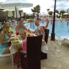 Отель Fiesta M Солнечный берег бассейн