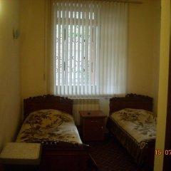 Hotel VIVAS 2* Стандартный номер 2 отдельные кровати (общая ванная комната)