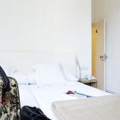 Отель Som Nit Born Стандартный номер с 2 отдельными кроватями фото 3