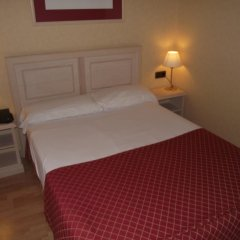 Отель Senator Castellana (I) 3* Стандартный номер с двуспальной кроватью фото 6
