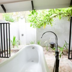 Отель Kihaad Maldives 5* Вилла с различными типами кроватей фото 16