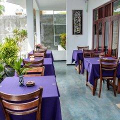 Отель Baywatch Шри-Ланка, Унаватуна - отзывы, цены и фото номеров - забронировать отель Baywatch онлайн питание