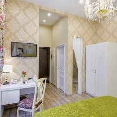 Бутик-Отель Росси 4* Улучшенный номер двуспальная кровать фото 3