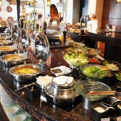 Отель DoubleTree by Hilton Bangkok Ploenchit 5* Номер Делюкс фото 7