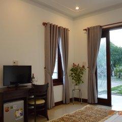 Отель Trust Homestay Villa 2* Улучшенный номер с двуспальной кроватью фото 3
