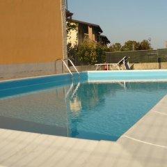 Отель Casa Silvia Италия, Манерба-дель-Гарда - отзывы, цены и фото номеров - забронировать отель Casa Silvia онлайн бассейн