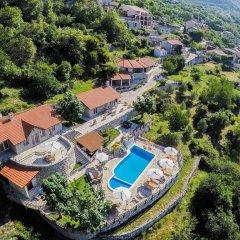 Отель Luxury Villas Lapcici Черногория, Будва - отзывы, цены и фото номеров - забронировать отель Luxury Villas Lapcici онлайн бассейн фото 3
