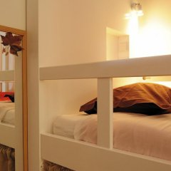 Lisboa Central Hostel Стандартный номер с 2 отдельными кроватями (общая ванная комната) фото 6
