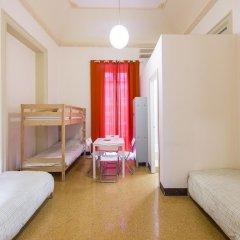 Mamamia Hostel and Guesthouse Кровать в общем номере с двухъярусной кроватью фото 4