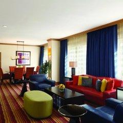 Отель Hilton Suites Chicago/Magnificent Mile комната для гостей