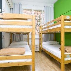 Отель Madrid Motion Hostels 2* Кровать в общем номере с двухъярусной кроватью фото 2