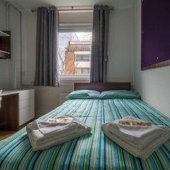 Отель LSE Carr-Saunders Hall 2* Стандартный номер с двуспальной кроватью (общая ванная комната)