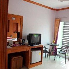 Отель Suksan Patong Place Guesthouse удобства в номере