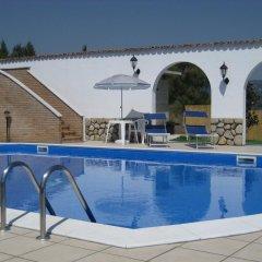 Отель I Tre Ulivi Форино бассейн