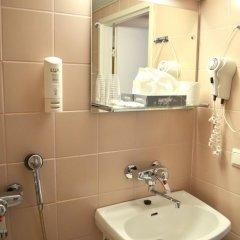 Arthur Hotel 3* Улучшенный номер с 2 отдельными кроватями фото 4