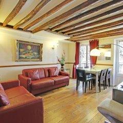 Отель Eiffel Tower Flats Париж комната для гостей фото 4