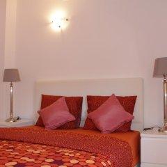 Отель Inn Chiado Стандартный номер с двуспальной кроватью (общая ванная комната)