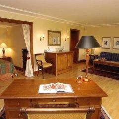 Отель Hotell Refsnes Gods 4* Люкс с различными типами кроватей фото 3