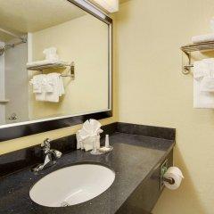Отель Baymont by Wyndham Charlotte Airport North / I-85 North 2* Стандартный номер с различными типами кроватей фото 2
