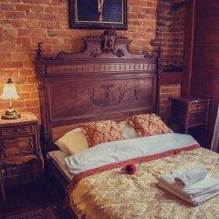 Отель Lódzki Palacyk 3* Стандартный номер с двуспальной кроватью (общая ванная комната)