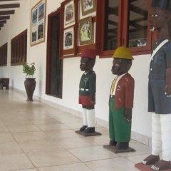 Отель Coconut Grove Beach Resort интерьер отеля
