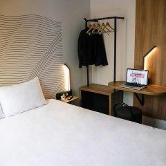 Отель B&B Hôtel Marseille Centre La Joliette Франция, Марсель - 2 отзыва об отеле, цены и фото номеров - забронировать отель B&B Hôtel Marseille Centre La Joliette онлайн удобства в номере фото 2