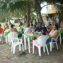 Отель Caribbean Coral Inn Tela Гондурас, Тела - отзывы, цены и фото номеров - забронировать отель Caribbean Coral Inn Tela онлайн питание фото 2