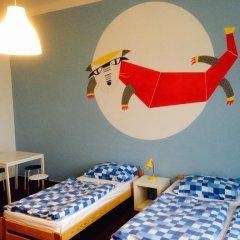 Hostel Downtown Стандартный семейный номер с двуспальной кроватью