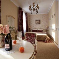 Мини-Отель Villa de Ville 4* Номер Делюкс разные типы кроватей фото 5