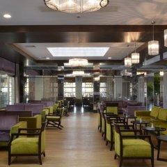 Port Side Resort Hotel гостиничный бар