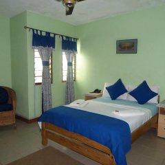Отель Almond Tree Guest House 3* Стандартный номер с двуспальной кроватью (общая ванная комната)