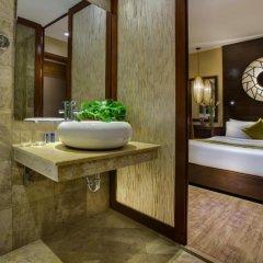Oriental Suite Hotel & Spa 4* Улучшенный номер двуспальная кровать фото 6