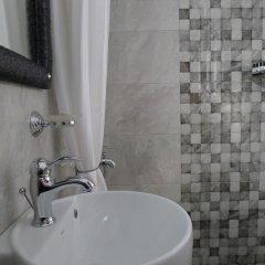 Отель George & Sia's House ванная фото 2