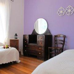 Хостел Ericeira Chill Hill Hostel & Private Rooms Стандартный номер с двуспальной кроватью (общая ванная комната) фото 19
