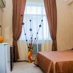Гостиница Континент 2* Стандартный номер с двуспальной кроватью