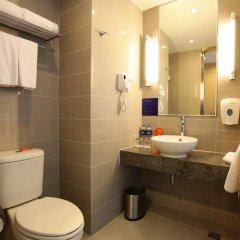 Отель Holiday Inn Express Shanghai New Hongqiao 3* Стандартный номер с различными типами кроватей фото 5