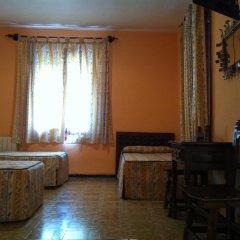 Отель Hostal Paracuellos Стандартный номер с различными типами кроватей фото 7